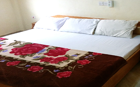 sunyani hotel bedroom king exec